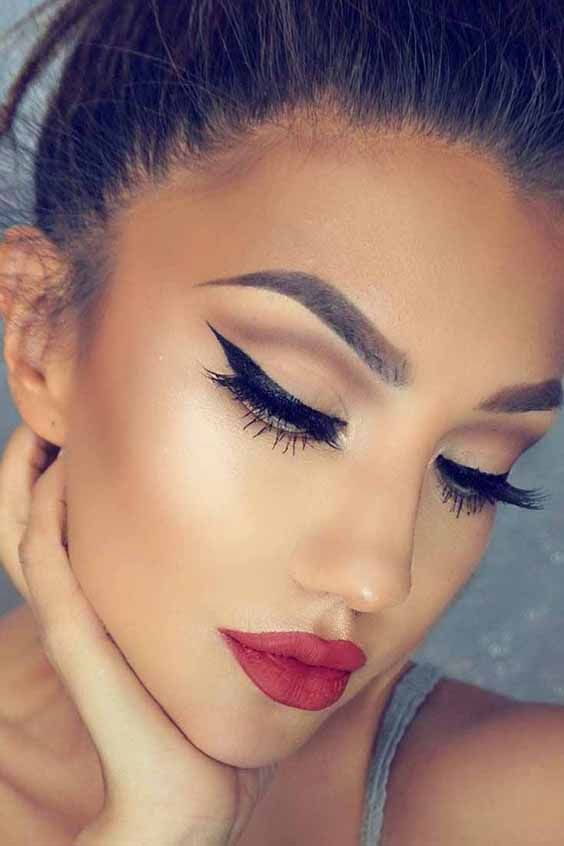 10 Romantic Valentine S Day Makeup With Red Lips In 2019 Have A