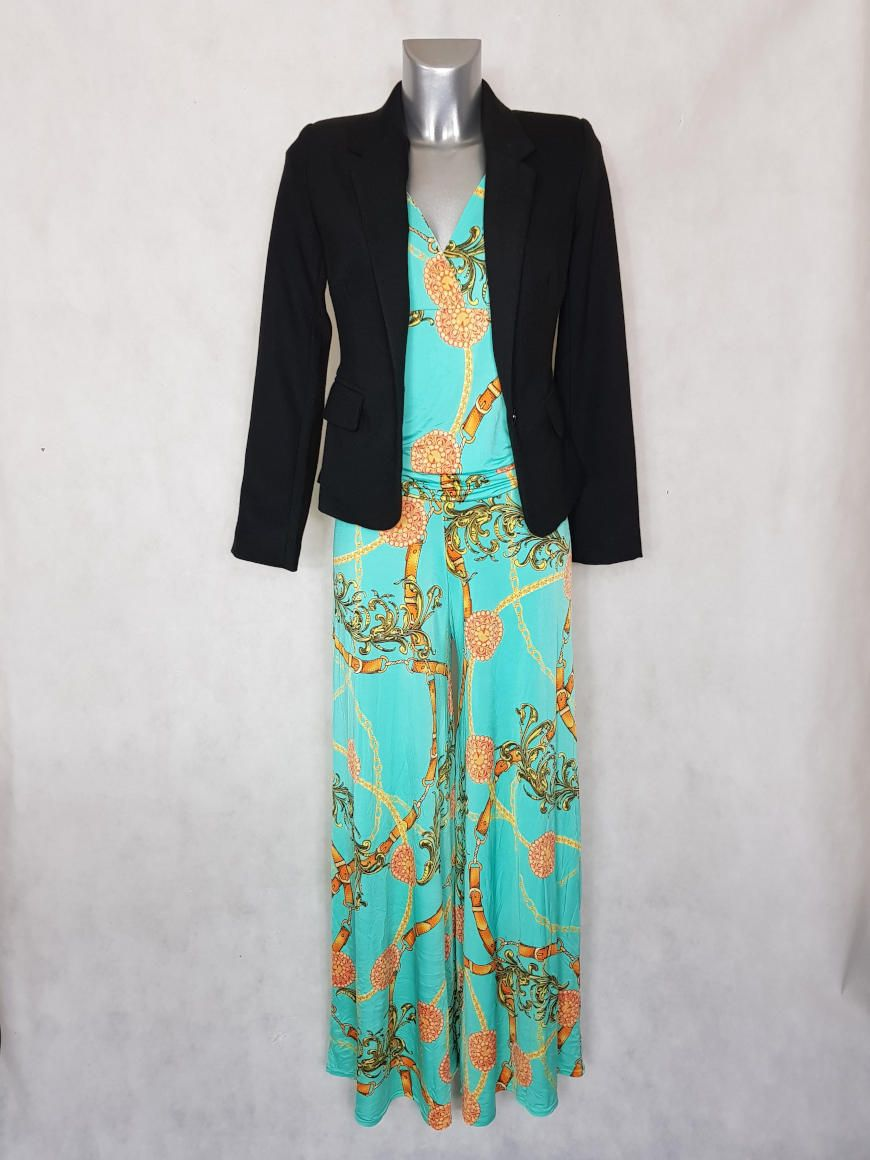 de560b46d7fa5 Look #Combi-pantalon femme #large vert motif #chaîne manches courtes et  veste