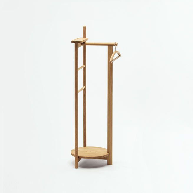 Small Hat Stand: This Oak Valet Combines A Hat Stand, Accessories Tray
