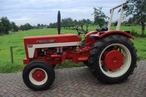 Te koop international 423 volledig gerestaureerd nieuwe for Tractor verlichting