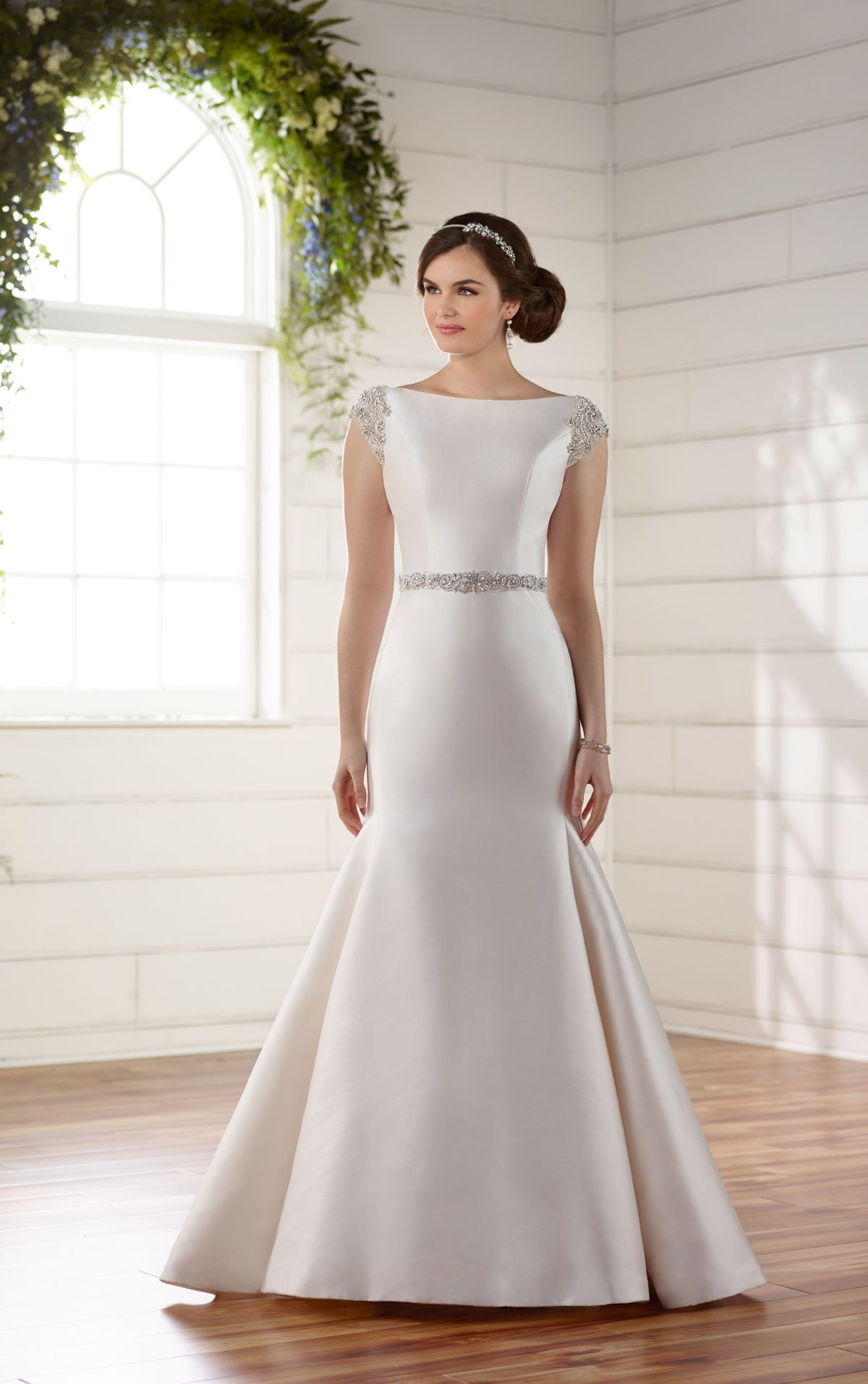 Stunning Fitted Trumpet Mermaid High Neck Low Back Wedding