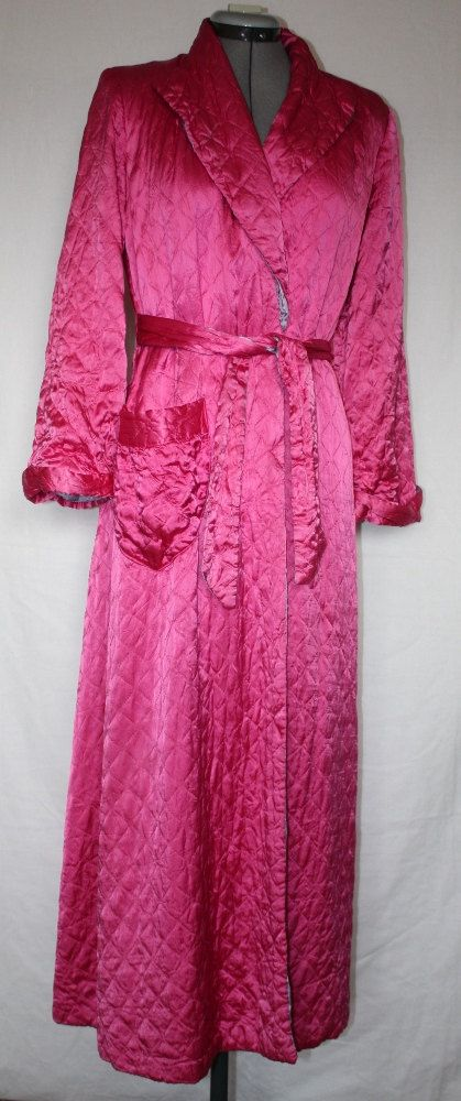 Vintage Quilted Satin Robe by La Camille Hot by ilovevintagestuff