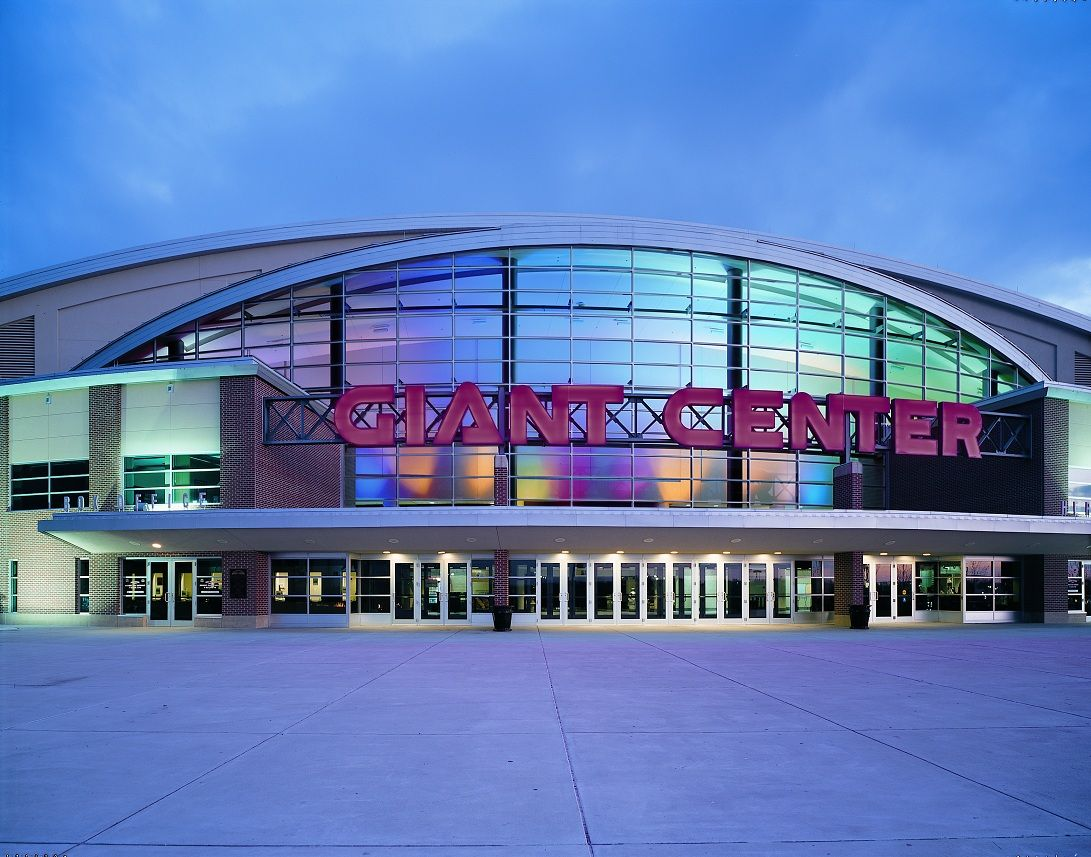 o Giant Center is a 10,500seat multipurpose arena in