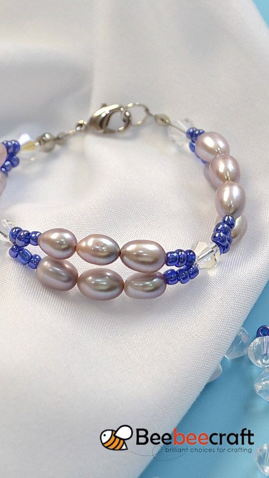 Handmade #bracelet with #Beebeecraft glass #pearls and #seedbeads #braceletshandmadebeaded