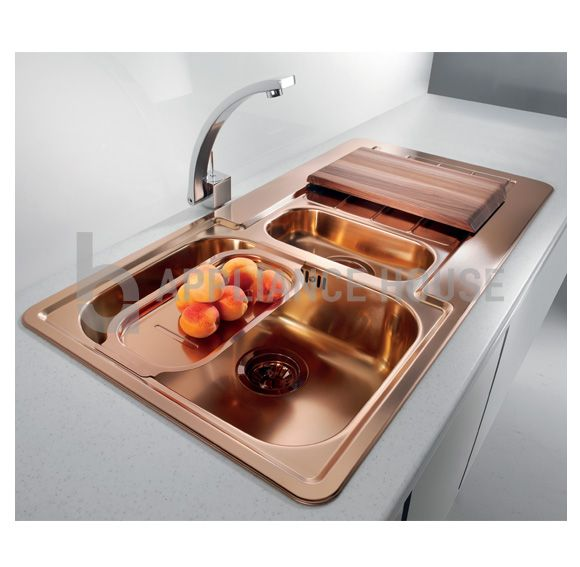 This Alveus 1 5 Bowl Copper Sink Is A Fabulous Addition To Any Copper Themed Kitchen We Have A Unique Ran Rose Gold Kitchen Copper Kitchen Sink Gold Kitchen