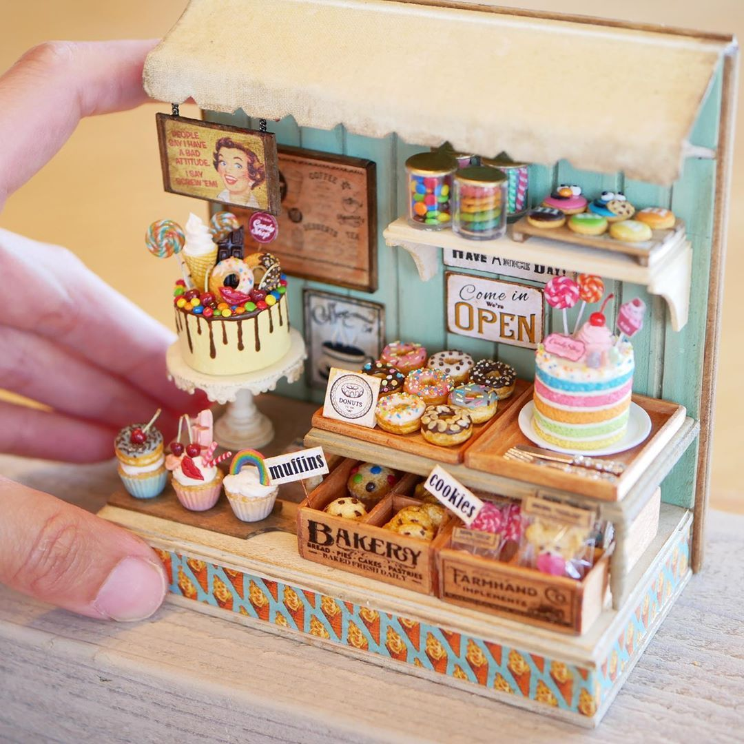2 muffins in fimo miniature 1//12 dolls house