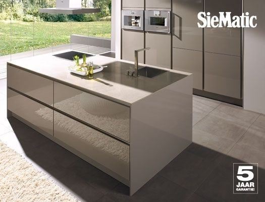 Moderne Keuken Taupe : Keuken taupe home moodboard kitchen kitchen design german