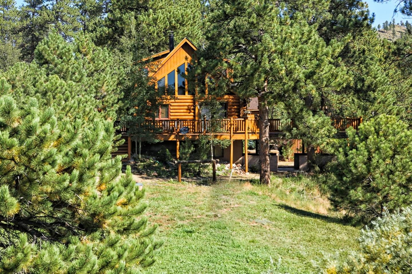 Terrific Secluded Log Cabin On Stream Lake Cabins For Rent In Beutiful Home Inspiration Ommitmahrainfo