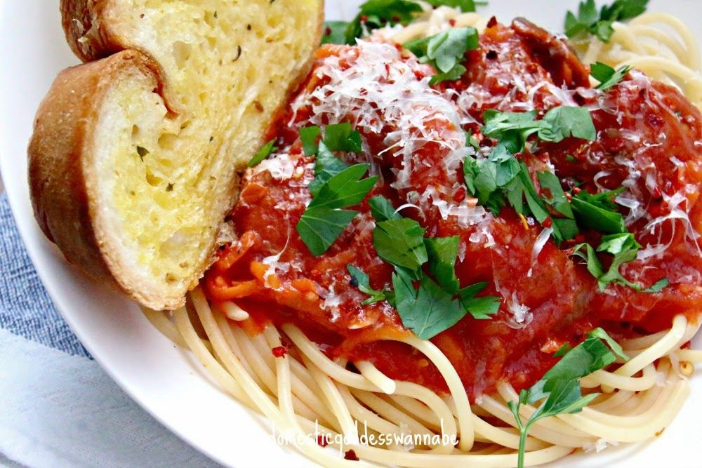 Domestic Goddess Wannabe: the easiest spaghetti and meatballs