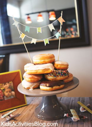 Party Food: Doughnut Cake {Easy Party Solution}