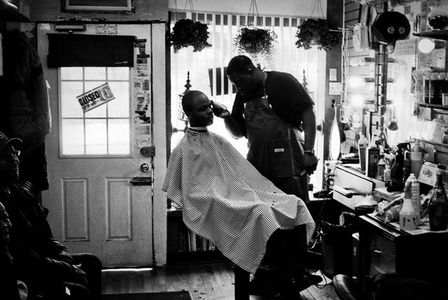 Barbearias do Brooklyn, por Ol' Skool Sean | VICE | Brasil por Sean Maung