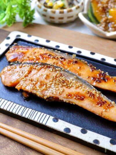 Photo of 簡単下味冷凍♡ほんのり甘い『鮭のごまみりん漬け』 by RINATY(りなてぃ) / レシピサイト Nadia | ナディア – プロの料理家のおいしいレシピ