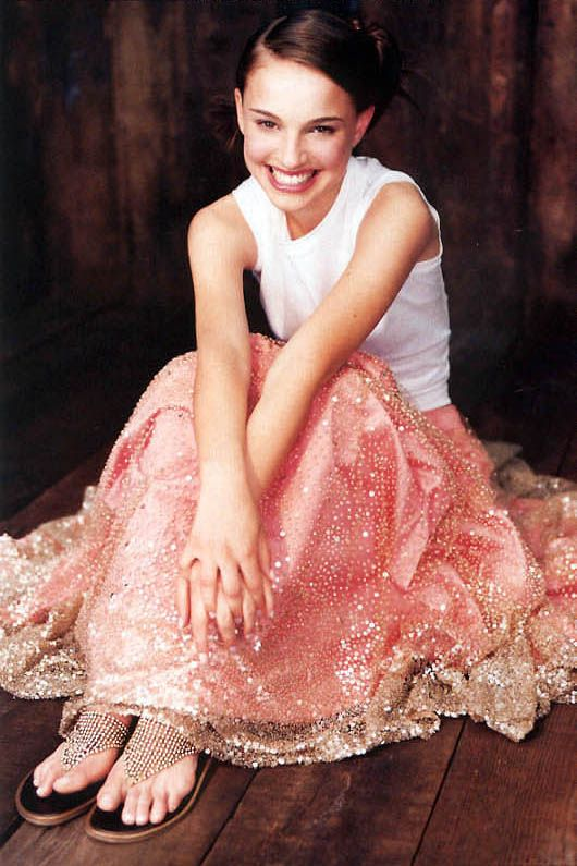 "natpdotcom: ""Natalie Portman for the July 1999 issue of Vogue Australia, shot by Andrew Southam. """