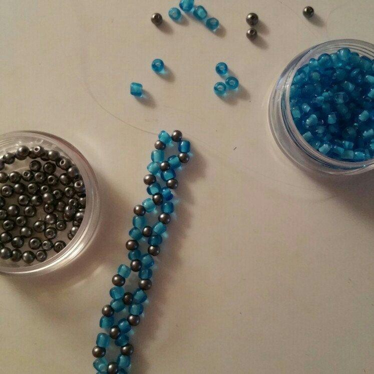 Production of handmade bracelets