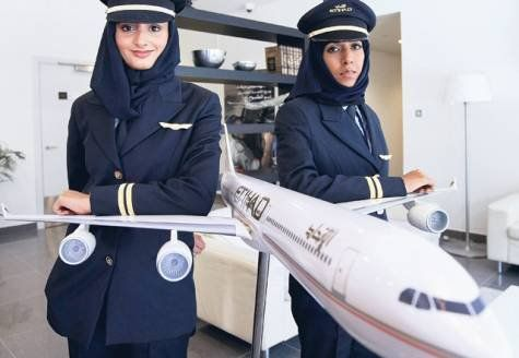 pilot with hijab - Recherche Google These woman are pilot hijabs. Woman can't Drive In country Arab. Please don't blame Islam. Blame is The country