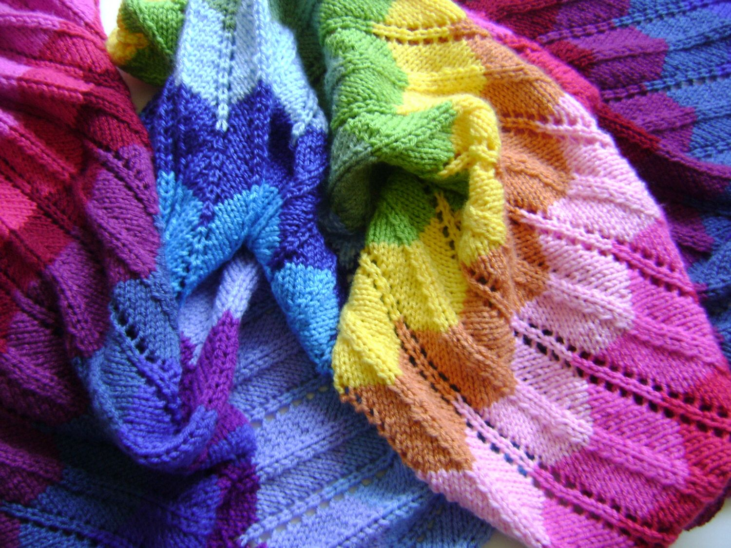 Knitting In Technicolor - Make Your Own Chevron Blanket - Easy ...