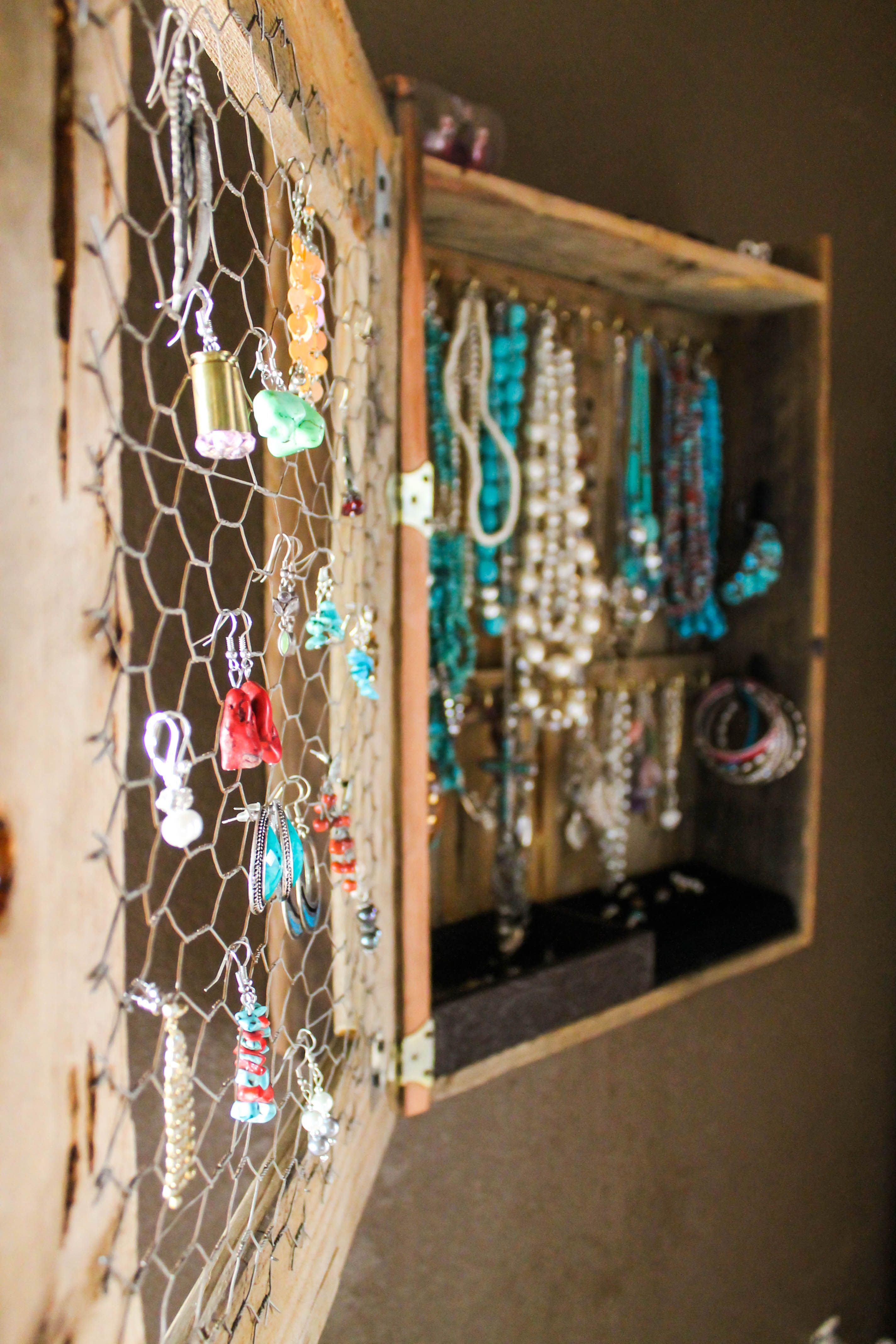Jewelry Box made from pallets and chicken wire | Chicken ...