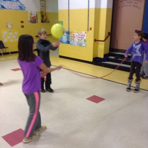 Human Net Volleyball With 4th Graders Teamwork Physed
