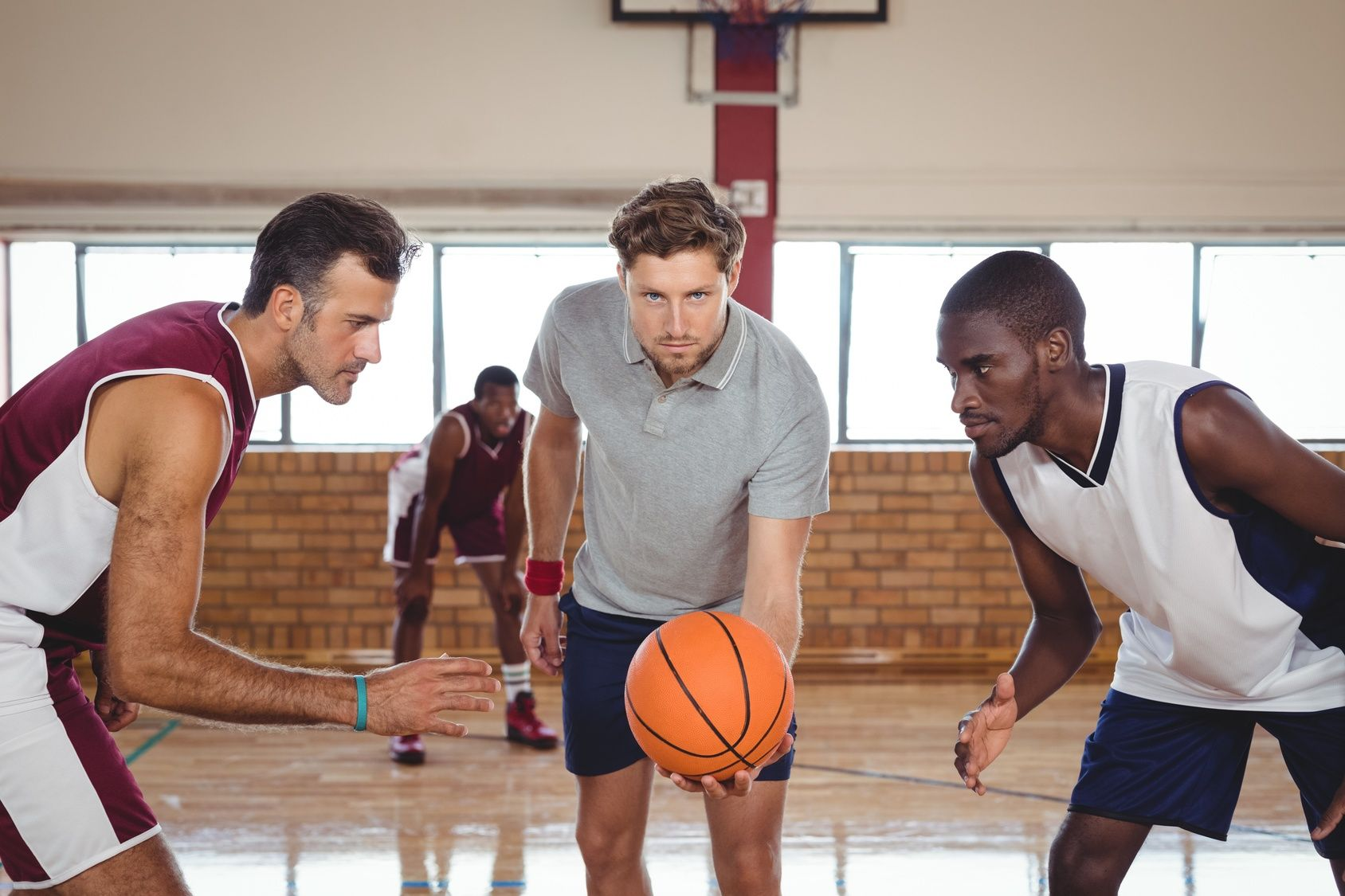 How to referee a basketball game the key points