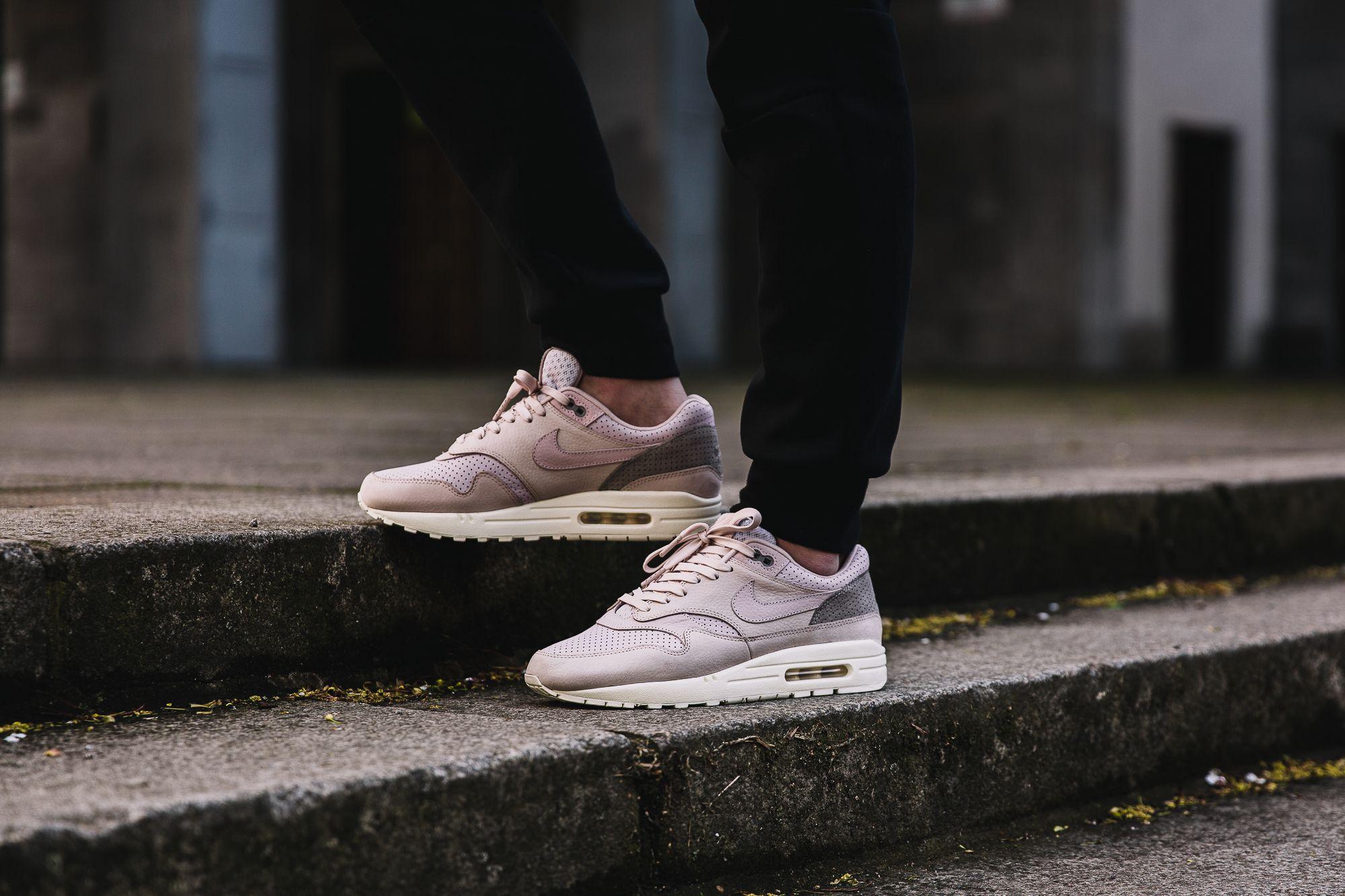 NikeLab Air Pink
