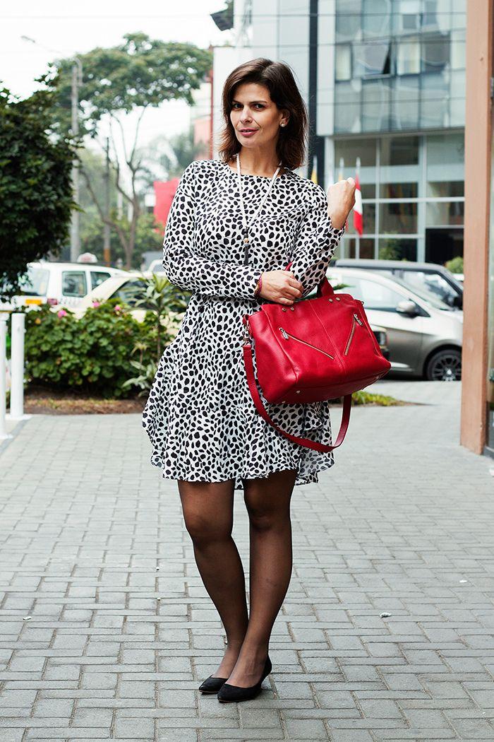 DIVINA EJECUTIVA: Mis Looks - De negro, blanco y rojo!