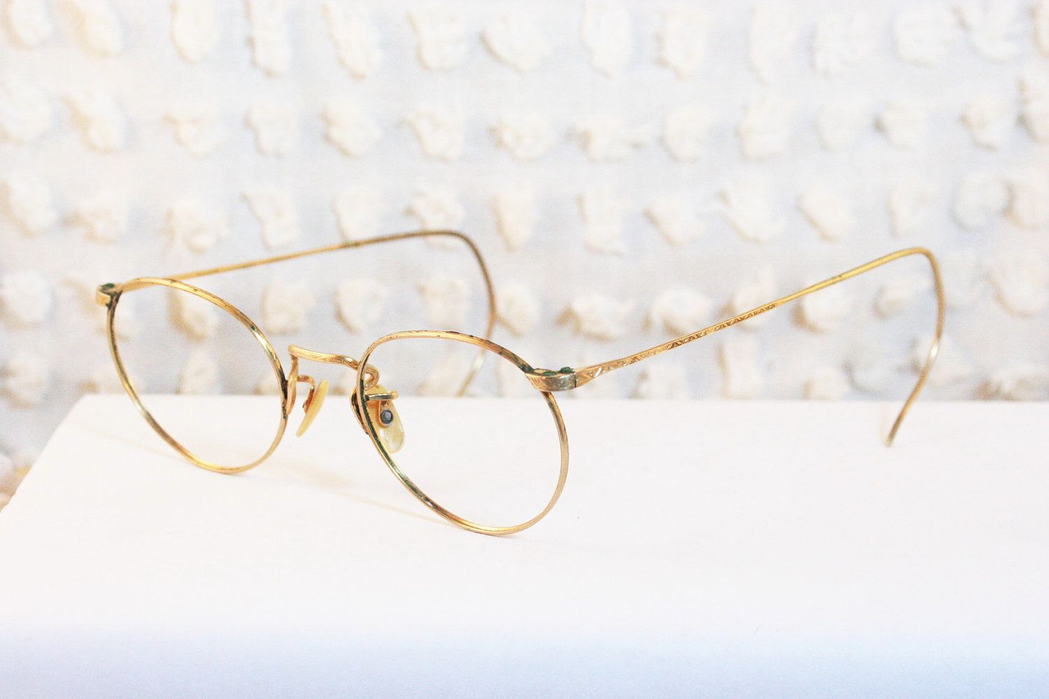 844b640686c6 40s Round Glasses 1940 s Wire Rim Eyeglasses Yellow Gold Fill Etched Frame  Wartime 44 20 American Optical.  54.00