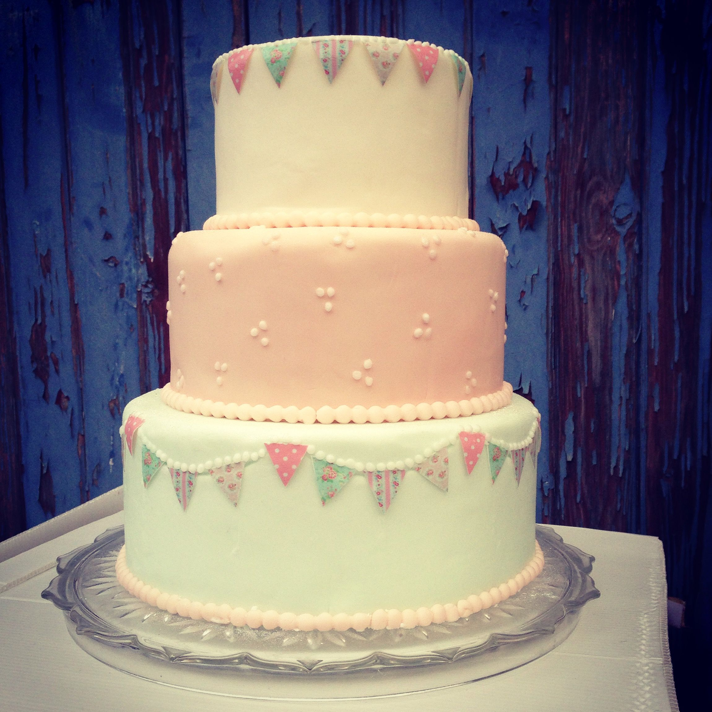 Bunting 3 tier Wedding Cake | Vanilla teas Wedding Cakes | Pinterest ...