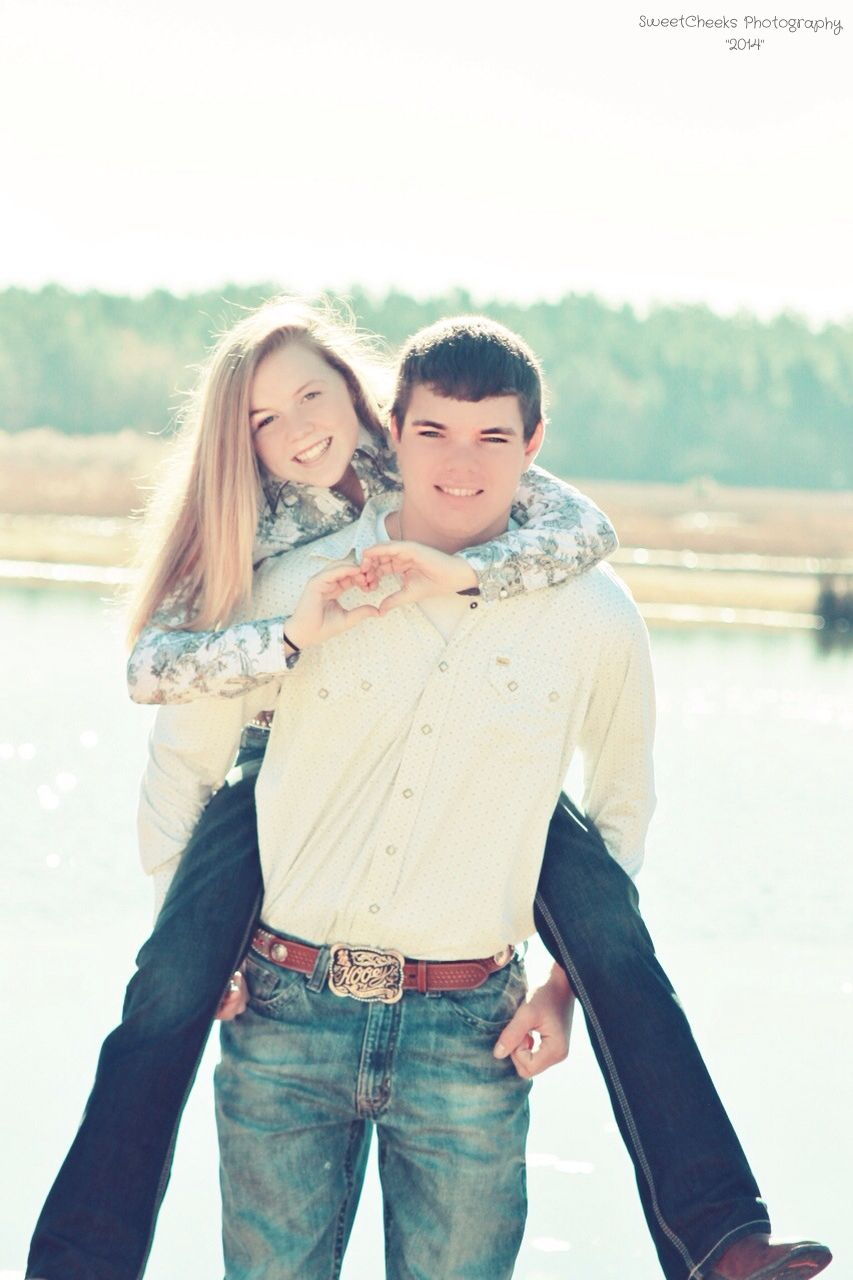 cute couples pose sweetcheeks photography pinterest cute