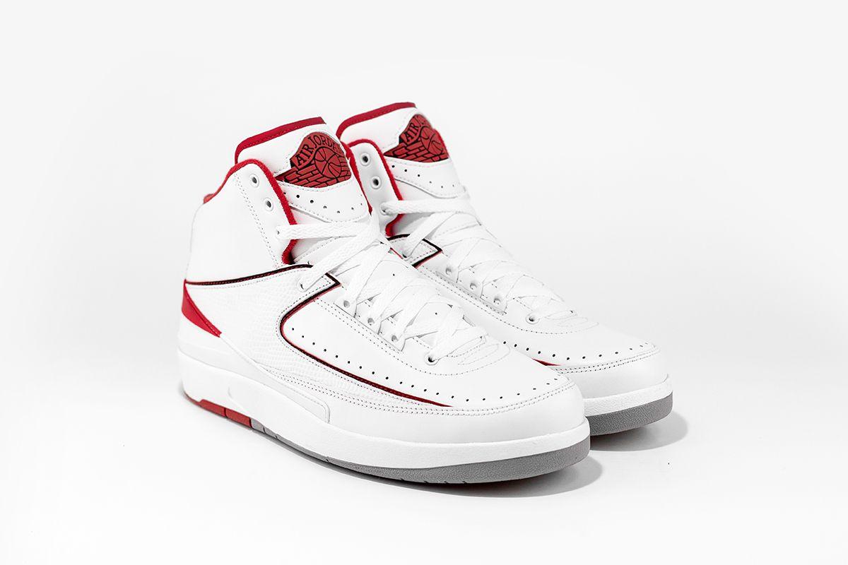 "Air Jordan 2 ""Chicago"""