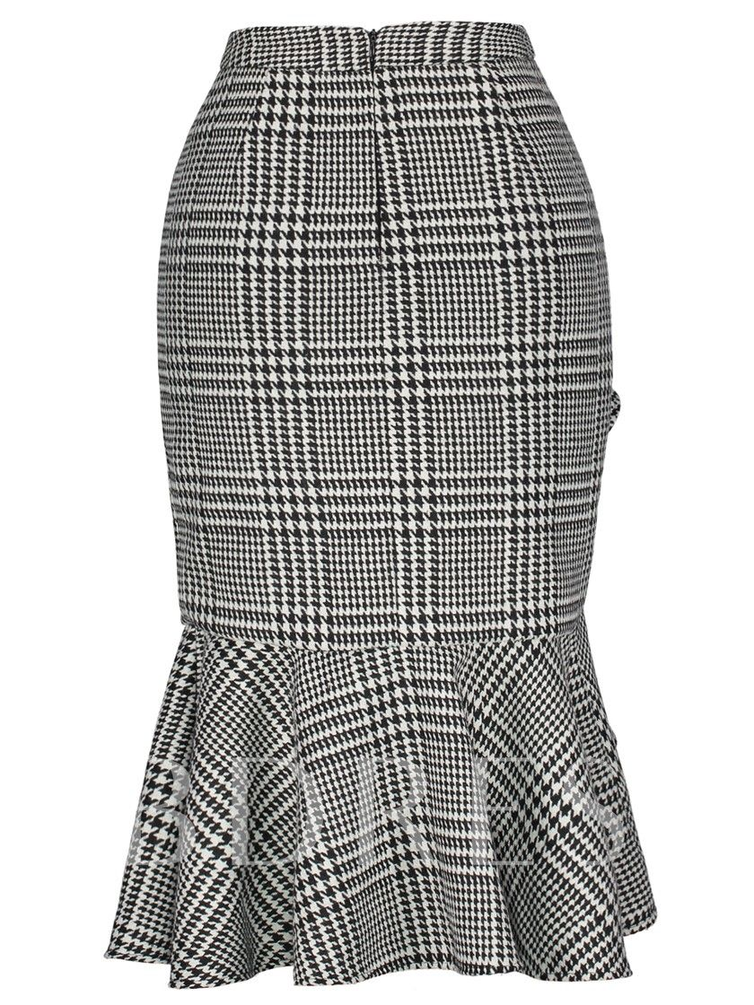 363bde8bb5 SheIn(sheinside) Wales Check Ruffle Skirt ($28) ❤ liked on Polyvore  featuring skirts, black and white, bodycon skirt, long maxi skirt…