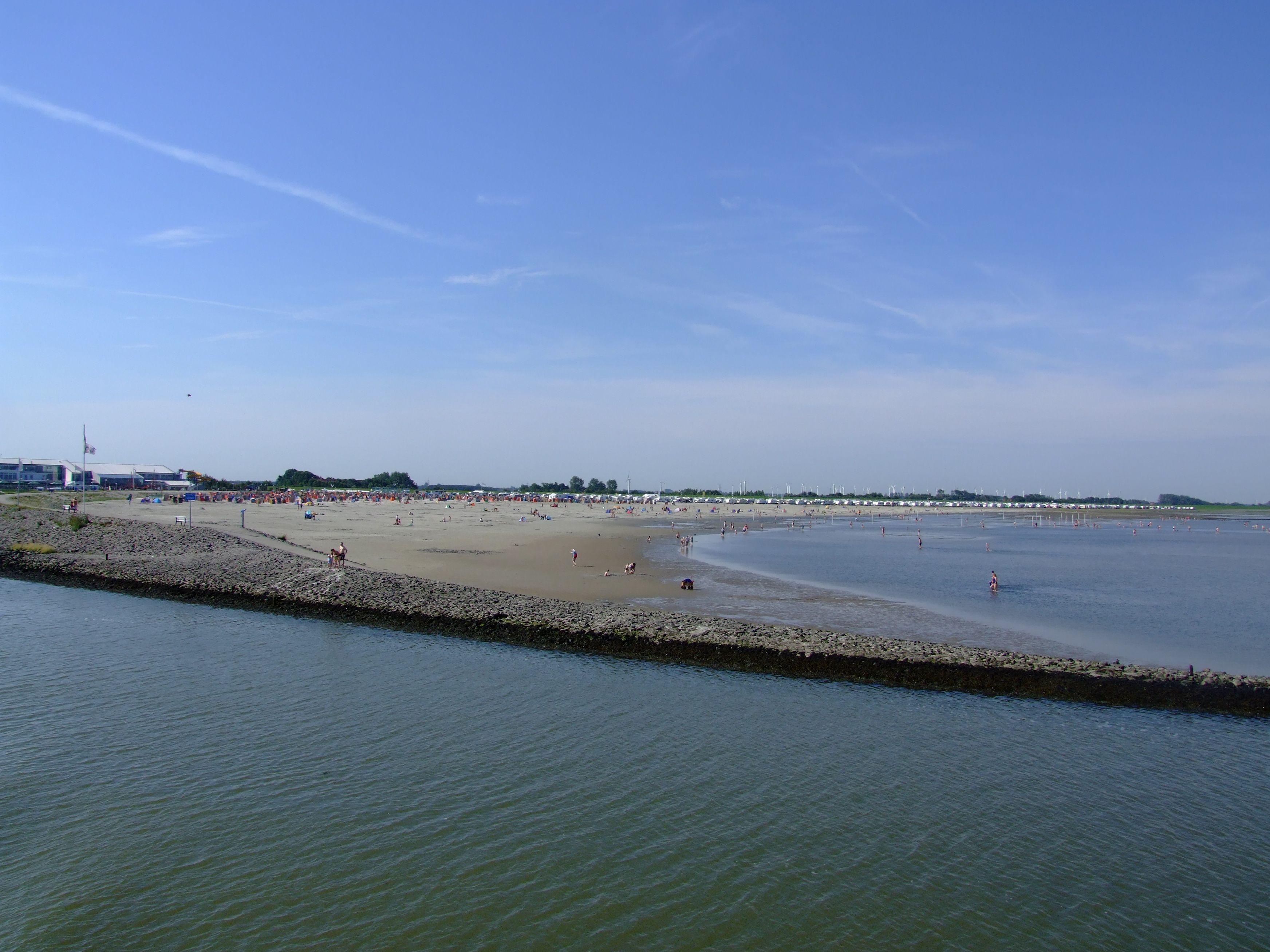 Blick von der f hre in richtung langeoog auf den strand for Gunstige unterkunft nordsee