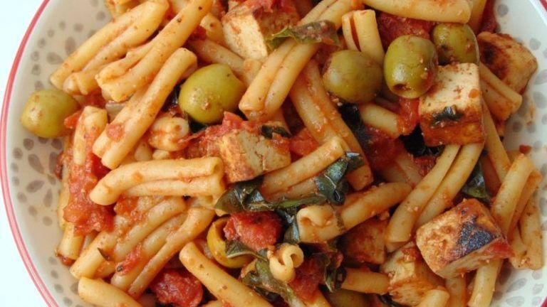 Pollo Con Brócoli Y Salsa De Soja Receta De Tasty Details Receta Salsas Para Pastas Espaguetis Con Tomate Pasta Con Espinacas