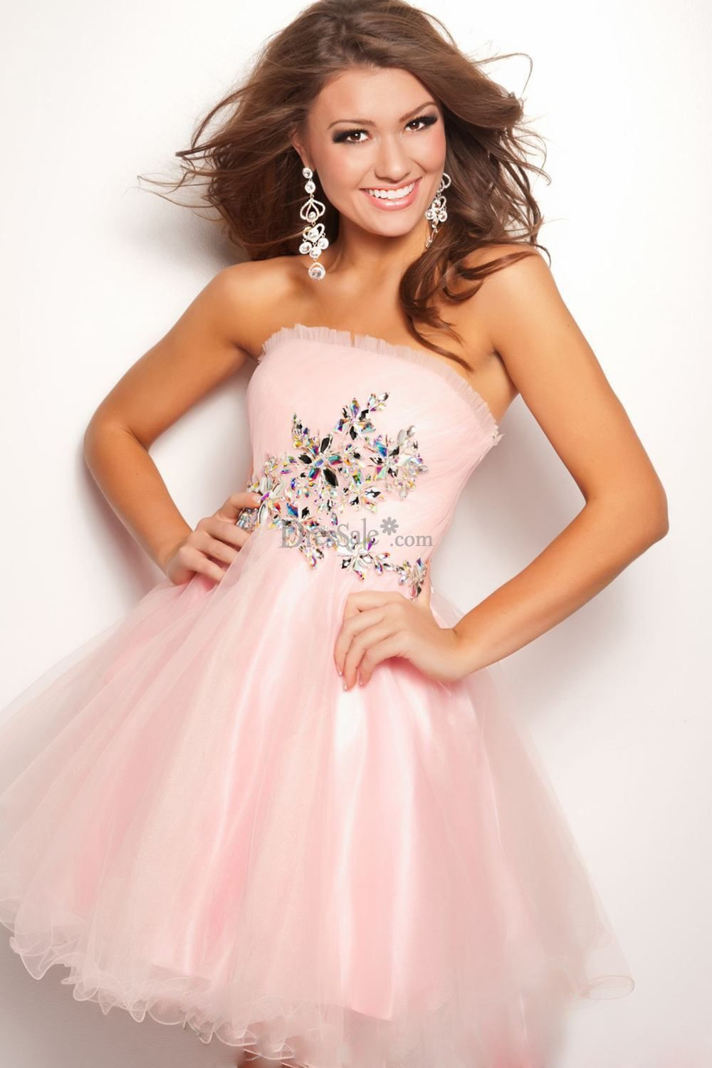 Fairy pink strapless sweet dress with curvehugging bodice and