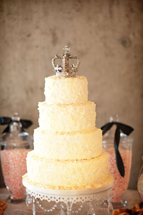 Ottawa Wedding by First Kiss Films | Crown, Cake and Crown cake