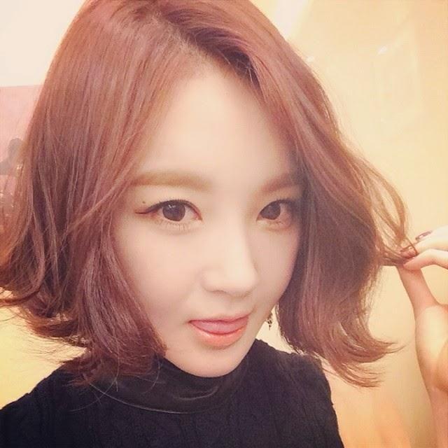 Wavy Curly Hair Goo Hara Google Search Diversity Hairstyle - Curly short hair kpop