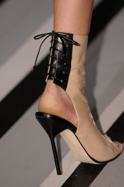 Shoes Ill never wear. / Victoria Beckham @}-,-; |2013 Fashion High Heels|