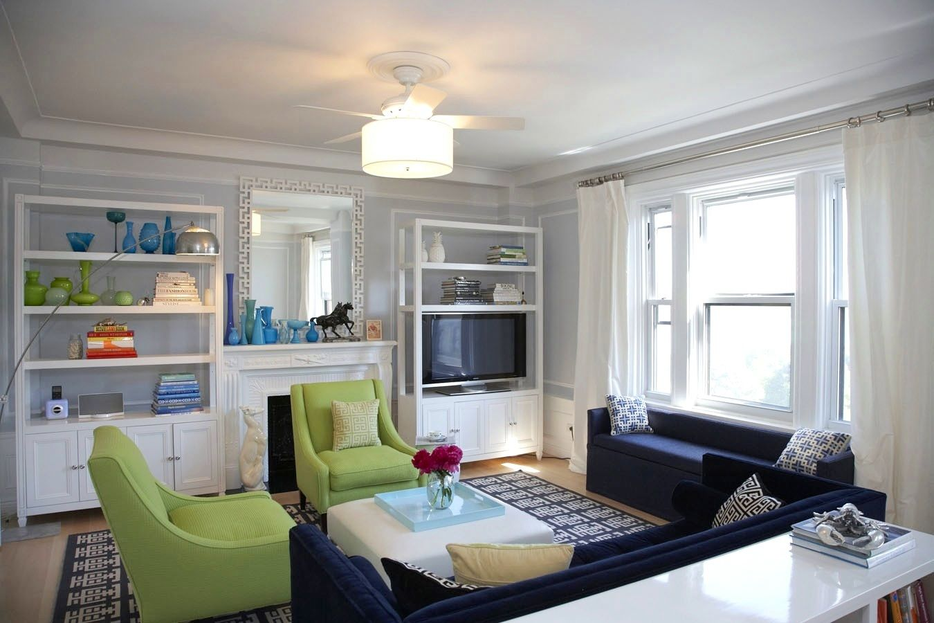 Best White Themed Navy Living Room Ideas With Elegant Dark Blue Sofa Furniture Complete With The 640 x 480