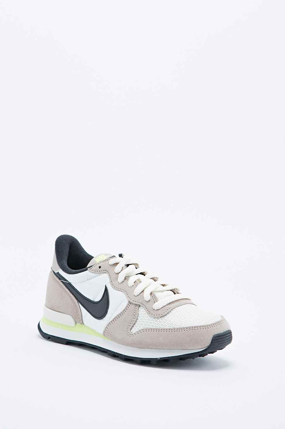 nike internationalist femme peche