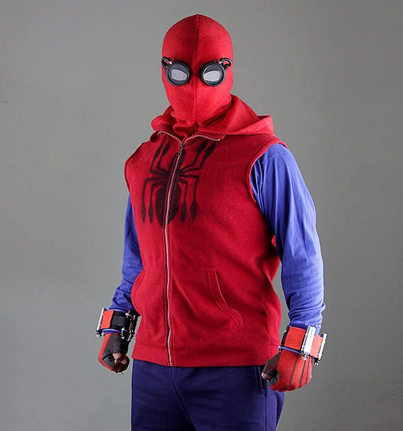 Suit spider man homecoming web shooter mask goggles for Regalos especiales para hombres