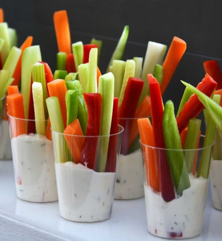 joghurt mayo dill dip f r gem sesticks in bechern fingerfood pinterest essen und trinken. Black Bedroom Furniture Sets. Home Design Ideas
