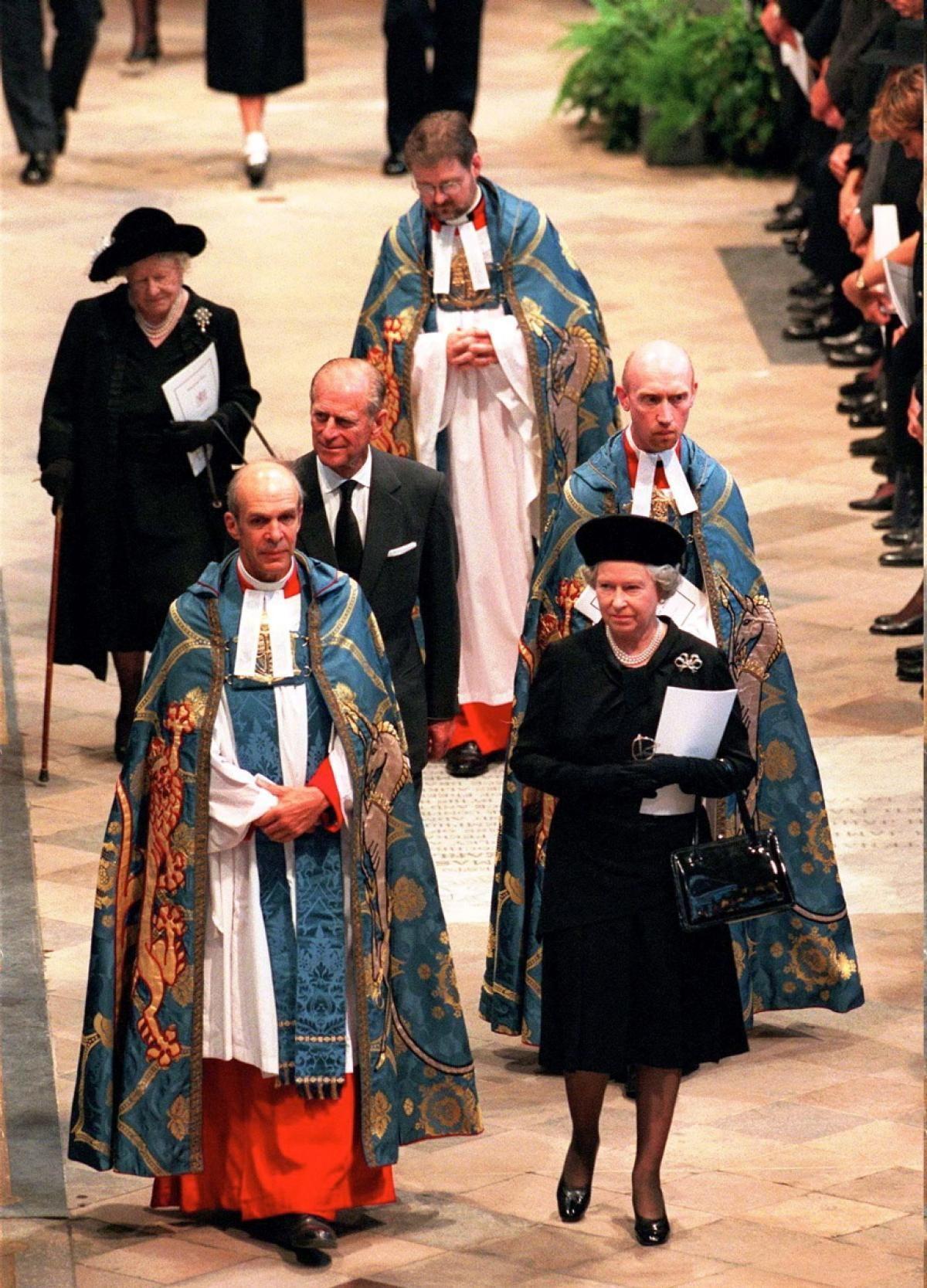 Queen Elizabeth II attends funeral of Princess Diana