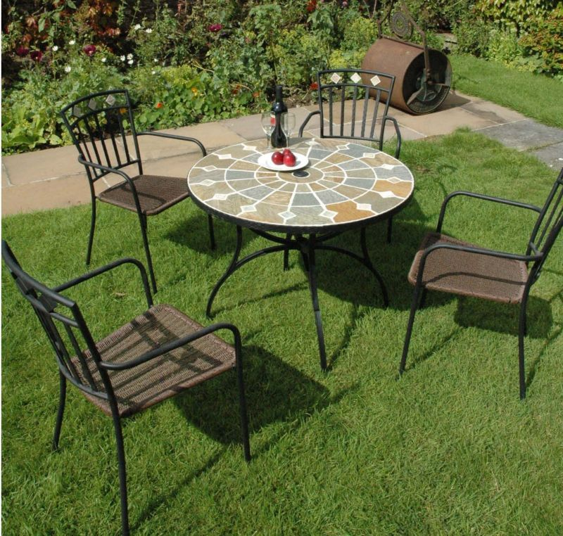 mosaic garden table and four chairs