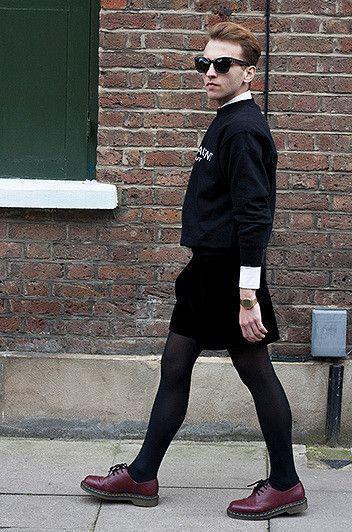 Womenand men wearing pantyhose photos 147
