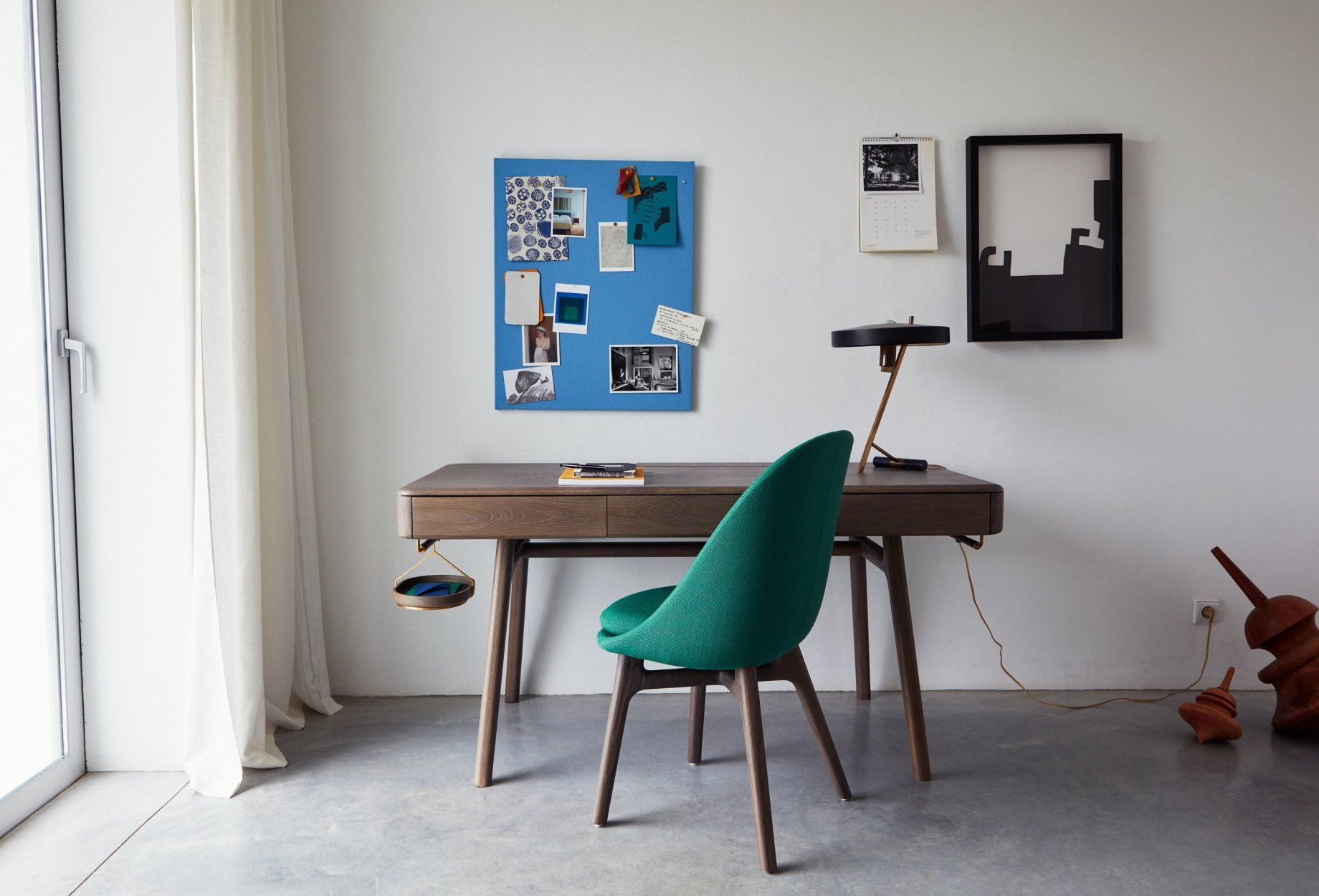 Viewing Neri Hu 784 Solo Desk Product Dining Chair Design Furniture Design Solid Wood Furniture Design