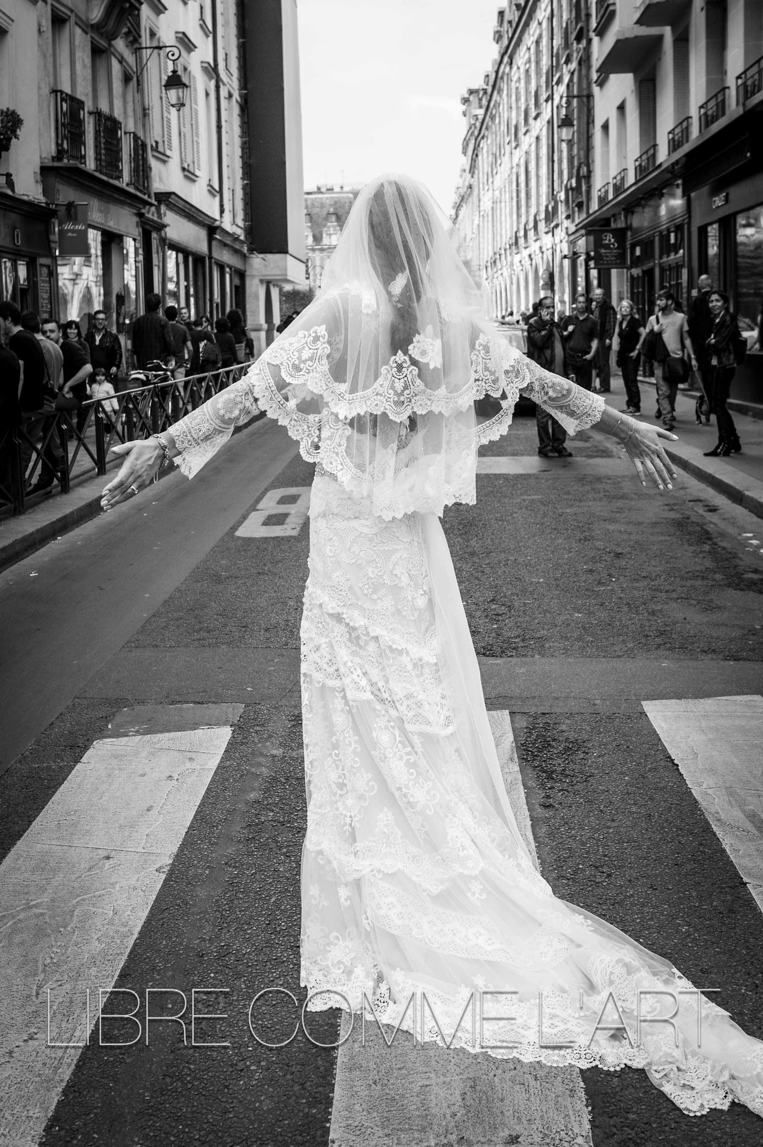 wedding dress urban wedding