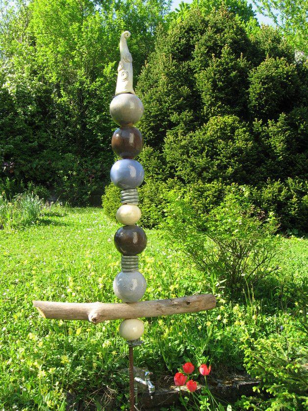 Keramikstele Stelekugeln Holz Ammoniten Etsy Stelen Garten Keramik Topferarbeiten
