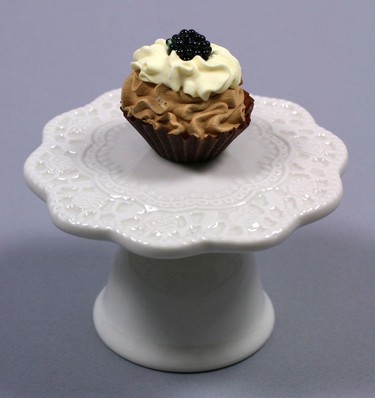 Mini-Kuchenständer aus Porzellan #servieren #porzellan #turtleNews