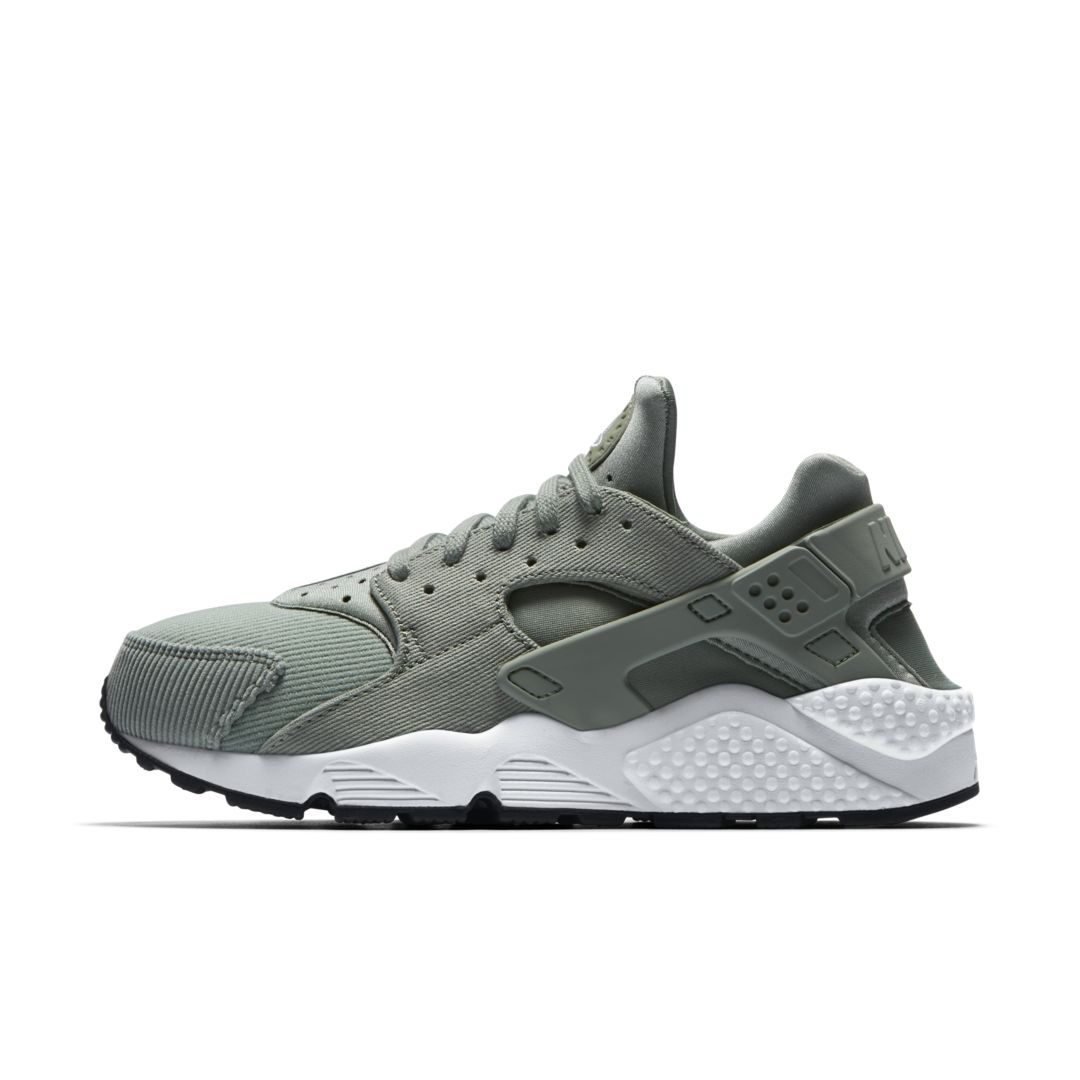buy popular 3aab6 47b04 Nike Air Huarache SE Women s Shoe Size 10.5 (Mica Green)
