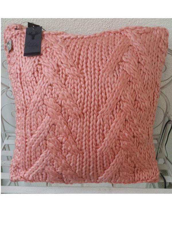 Sierkussen Gebreid Kabel Roze Colmore by Diga | Colmore by Diga ...