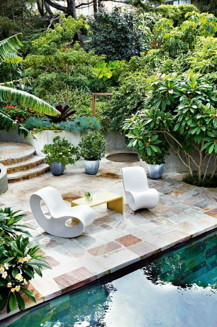 Jardines Con Piscina